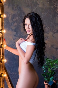 She is very good looking and ultra sexy escort girl available for tonight booking in Enfield. - Randoms Babes